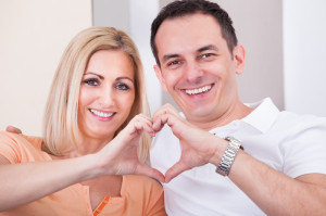 Couple hand hearts 2